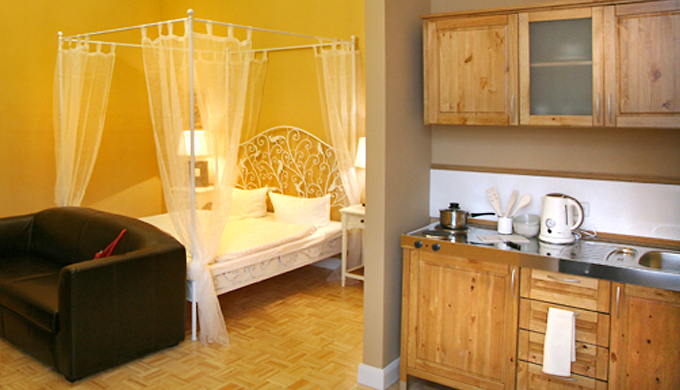 Hotel am olivaer platz apartments dreibett studio for Apartments maison am olivaer platz